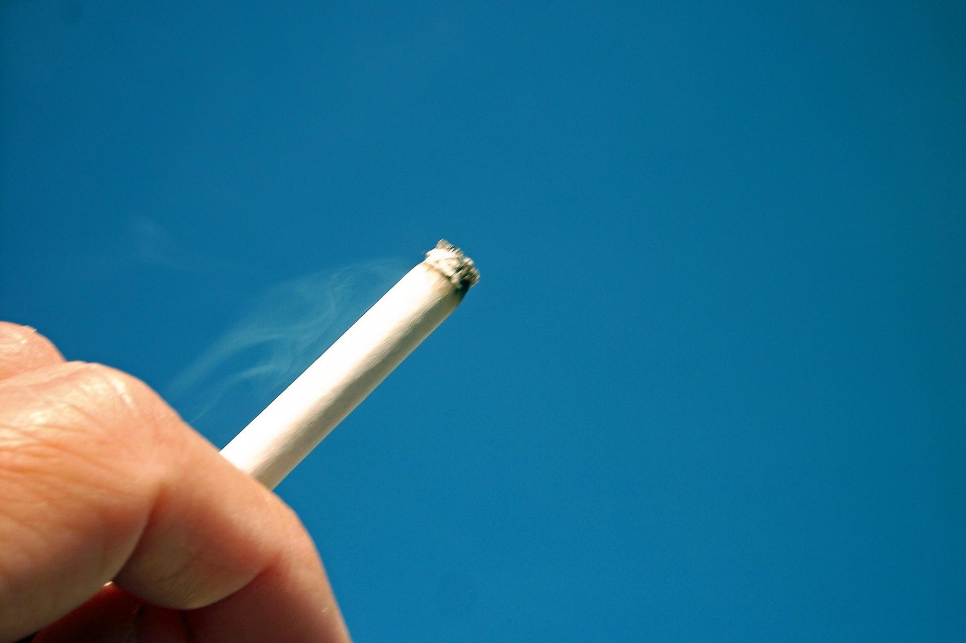 タバコのヤニは原状回復費用以外に請求される可能性があります。